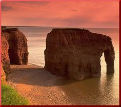 Elephant Rock, Prince Edward Island - sadly the trunk is no more - I need to scan in some of my film photos to see what I shot when I was there at Prince Edward Island, Places To Travel, Places To See, Travel Destinations, Canada Travel, Canada Trip, Canada 150, Cap Breton, Kayak