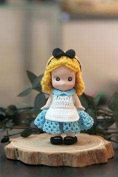 """- """"키티"""" 의상및 소품은 판매용이 아닙니다 - 귀요미 키티 ♥ 우쭈쭈 -아공 이뿌라 - 샘플칼라 : (좌) 민트... Crochet Doll Clothes, Crochet Dolls, Crochet Hats, Sonny Angel, Baby Doll Toys, Kewpie, Cute Little Things, Bisque Doll, Hobbies And Crafts"""