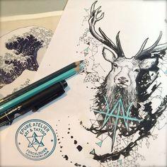 Dessin préparatoire pour Tessa/ ELKTHYRNIR : Dans la mythologie nordique, c'est un cerf fabuleux se nourrissant des jeunes pousses de Læradr, arbre qui peut être identifié au frêne Yggdrasil. Il se tient sur la Walhalla et draine de par ses bois tant d'eau vers Hvergelmir que c'est de là que proviennent toutes les rivières.