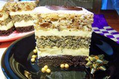 z cukrem pudrem: ciasto orzechowo-rumowe