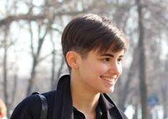 short haircut girl - Buscar con Google