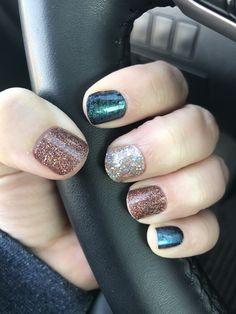 Diseños de uñas :  Algo lindo y sencillo 👌 Color Street, Nail Arts, Photos, Ideas, Toenails Painted, Feet Nails, Nail Designs, Simple, Fingernail Designs