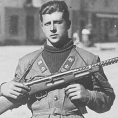 pic of a member of Decima Mas armed with  smg Beretta 1938. Pin by Paolo…