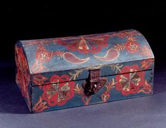 Compass Decorated Dome Top Box  SOLD  painted poplar  Lancaster County, Pennsylvania  circa 1820  6 inches high  13 1/2 inches wide  7 7/8 inches deep