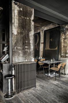 When you walked in Paris towards to Merci and you found Grazie . That's how I found Grazie restaurant. Bar Interior, Restaurant Interior Design, Interior And Exterior, Coffee House Interiors, Cafe Design, House Design, Bistro Restaurant, Industrial Cafe, Restaurant Concept