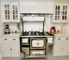 A Collectoru0027s Kitchen Makeover