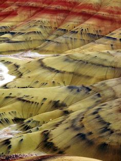 Painted Hills, John Day Fossil Beds National Monument, Oregon, USA (Need a road trip! Oh The Places You'll Go, Places To Travel, Places To Visit, All Nature, Amazing Nature, Oregon Travel, Travel Usa, Beautiful World, Beautiful Places