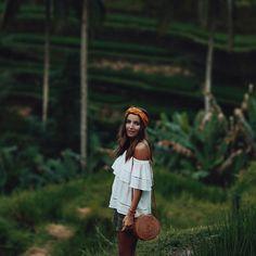 At Tegallang rice fields wearing our Biscayne blouse 🌱🍚 Holiday Fashion, Star Fashion, Boho Fashion, Bali, Ubud, Alexandra Pereira, Miami Fashion, Vacation Outfits, Spring Looks