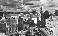 Porto Alegre antigamente: Praça Otávio Rocha - 1934 (quando da passagem do Graff Zeppelin  por nossa cidade).