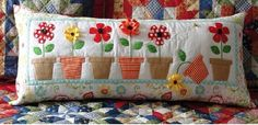 Super Ideas For Patchwork Pillow Flower Patterns Applique Cushions, Patchwork Cushion, Sewing Pillows, Quilted Pillow, Diy Pillows, Decorative Pillows, Throw Pillows, Cushions To Make, Scatter Cushions