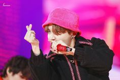 Find images and videos about bts, jhope and hoseok on We Heart It - the app to get lost in what you love. Jung Hoseok, Mnet Asian Music Awards, Billboard Music Awards, Gwangju, Foto Bts, Mixtape, K Pop, Jimin, Rapper
