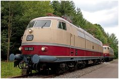 ORIGINAL E-LOK * E03 002 * DEUTSCHE BUNDESBAHN * TEE * INTERCITY * RHEINGOLD | eBay Rolling Stock, Electric Locomotive, Iron Art, Trains, Train Car, Train Station, Locs, Cool Photos, Transportation