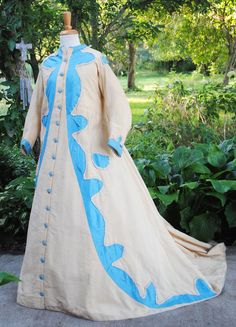 ANTIQUE DRESS 1860 LADIES DRESSING GOWN WITH TRAIN.  Recently de-accessioned from the Metropolitan Museum of Art in NYC.