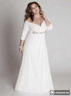 Свадебное платье для полных с красным кружевом