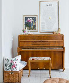 Veja mais em Casa de Valentina: http://www.casadevalentina.com.br/ #details #interior #design #decoracao #detalhes #decor #home #casa #design #idea #ideia #charm #charme #music #musica #piano #wood #madeira #casadevalentina
