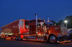 New semi truck sweets Ideas Show Trucks, Big Rig Trucks, Old Trucks, Custom Big Rigs, Custom Trucks, Trucker Quotes, Truck Interior, Trucks And Girls, Peterbilt Trucks