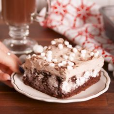 Hot cocoa poke cake recipe delicious dessert recipes cake re Easy Desserts, Delicious Desserts, Yummy Food, Blue Desserts, Baking Desserts, Baking Cupcakes, Poke Cake Recipes, Dessert Recipes, Christmas Desserts