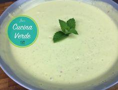 Kalte Avocadocremesuppe - Rezept von Joes Cucina Verde Naan, Avocado Creme, Pudding, Desserts, Food, Mint, Yogurt, Food Food, Meal