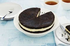 Maak goede sier met deze no-bake cheesecake uit de koelkast. Gemaakt met oreo-koekjes. We like! - Recept - Allerhande