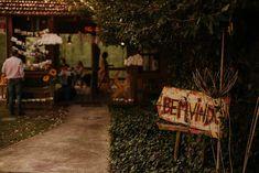 Flor de Quintal - Os Melhores buffets de festa infantil Curitiba segundo a minha opinião | Fotografia lifestyle de família em Curitiba Buffets, Outdoor Furniture, Outdoor Decor, Park, Home Decor, Party Buffet, Flower, Fotografia, Decoration Home