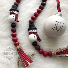 Snowman & turquise and silver Wood Bead Garland Homemade Christmas, Rustic Christmas, Christmas Holidays, Christmas Decorations, Christmas Ornaments, Christmas Bead Garland, Homemade Ornaments, Christmas Ideas, Wood Bead Garland