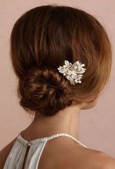 Roller Bun With Hairpin For Prom 2015 – 2016