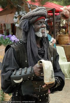 "oberonsson: ""The Moor of Socal - Southern Renaissance Pleasure Faire - April 2008 "" Cal was an amazing human being- he is missed Renaissance Men, Renaissance Clothing, Steampunk Clothing, Gypsy Clothing, Larp, Female Pirate Costume, Pirate Costumes, Medieval Gown, Gypsy Skirt"