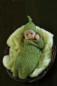 Sweet Pea Pod  ~ I HAVE A THING FOR PEAS IN A POD, ALWAYS HAVE, BUT THIS ONE~  I SERIOUSLY WANT!  TOO CUTE RIGHT?