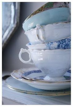 Stack of lovely coordinating vintage cups