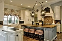 love the lighting and backsplash