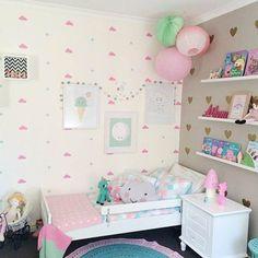 Shared girls' room Having their own individual space Teen Girl Bedrooms, Little Girl Rooms, Diy Room Decor, Bedroom Decor, Bedroom Ideas, Bedroom Designs, Bedroom Furniture, Princess Room, Baby Bedroom