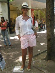 Moda Mulher Madura Verao Ideas For 2019 Casual Fall Outfits, Short Outfits, Summer Outfits, Shorts Outfits Women, Overalls Women, Over 50 Womens Fashion, Fashion Over 50, Bermuda Shorts Outfit, Short Noir