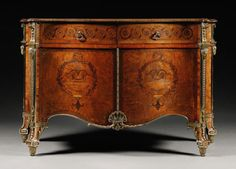 13 The Harrington Commode thought to be designed by Thomas Chippendale in Gilt lacquered rosewood with a serpentine-shaped tulipwood-banded top and marquetry. Sold for a record price at Sotheby's in Selling Furniture, Fine Furniture, Furniture Styles, Furniture Design, Painted Furniture, Georgian Furniture, Antique Furniture, Cabinet Makers, Objet D'art