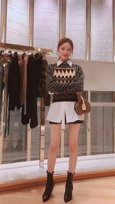 Korean Actresses, Korean Actors, Actors & Actresses, Lee Sung Kyung Fashion, Lee Sung Kyung Style, Lee Sung Kyung Wallpaper, Instyle Magazine, Cosmopolitan Magazine, Weightlifting Fairy Kim Bok Joo