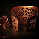 Hadaruga (@hadarugart) • Fotografii şi clipuri video Instagram Clipuri Video, Dog Bowls, Cuff Bracelets, Jewelry, Instagram, Therapy, Jewlery, Jewerly, Schmuck