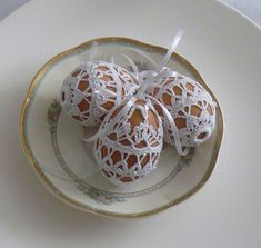 Easter Crochet, Candy Boxes, Easter Crafts, Easter Eggs, Tatting, Free Pattern, Diy And Crafts, Tea Cups, Cross Stitch