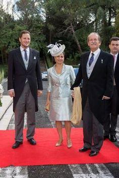 (LR) Príncipe Georg Friedrich da Prússia, Isabel, Duquesa de Bragança e Dom Duarte Pio, Duque de Bragança assiste ao casamento real do Príncipe Leka II Albânia e Elia Zaharia em Tirana, Albânia em 8 de outubro de 2016 por lula