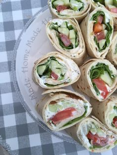 Light vegetable wraps - Rachel cuisine - Print this recipe I love the wraps for the aperitif ! Bento Recipes, Raw Food Recipes, Healthy Dinner Recipes, Bento Ideas, Lunch Ideas, Sandwich Buffet, Sandwich Ideas, Sandwich Recipes, Tapas
