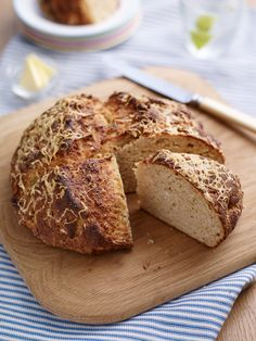 Savoury Soda Bread: Soda Bread With A Twist - Claire Justine Banana And Chocolate Loaf, Passion Fruit Cake, Yeast Extract, Bread Recipes, Baking Recipes, Uk Recipes, Tasty, Yummy Food, Soda Bread