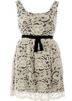 Vintage Doily Dress >> I just love a nice, lace dress and this one is superb! Would be wonderful for any event, cute for a bridesmaid dress too!