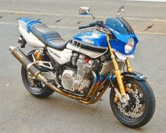 marichachi: Yamaha Xjr, Yamaha Motorcycles, Inazuma 750, Xjr 1300, Street Fighter Motorcycle, Motorbikes, Muscle, Cafe Racers, Vehicles