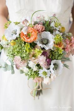 アネモネラナンキュラスナチュラルガーデンクラッチブーケ bridal bouquet