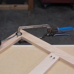 """Thanks to Automaxx® Auto-Adjust Technology, Wood Project Clamps adjust to match material thickness automatically with a simple squeeze of handles — whether the material is thick, thin, or in between. You can clamp a 2x4 and then a piece of 1/2"""" plywood without ever readjusting the clamp."""