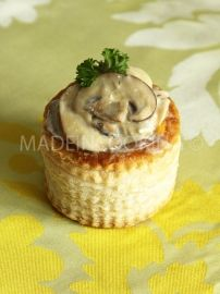 Vol Au Vent, No Salt Recipes, Great British Bake Off, Mini Foods, French Food, Small Plates, Bon Appetit, Coco, Holiday Recipes