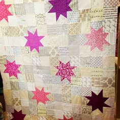 @Nicole Robinson showed her reverse hopscotch quilt #lamqg Web Instagram User » Followgram