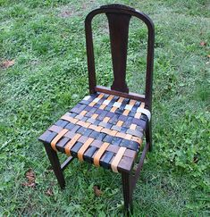 Reuse old belts for a chair makeover at @savedbyloves #repurpose #upcycle #DIY, great in a den or guys area!