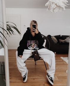 Tomboy Fashion, Dope Fashion, Streetwear Fashion, Grunge Fashion, Urban Fashion, Fashion Outfits, Modest Winter Outfits, Cute Lazy Outfits, Sporty Outfits
