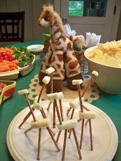 Robin's Rants, Raves and Creativity: Giraffe Party! Giraffe Birthday Parties, Safari Birthday Party, Animal Birthday, Birthday Ideas, Jungle Snacks, Animal Snacks, Animal Crackers, Baby Shower Giraffe, Preschool Snacks