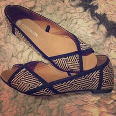 Cute casual flats Super cute casual flats in great condition! Size 38 (usually an 8) but definitely fit more like a 6.5 - 7, as I am normally a 6.5 and these fit loosely, but comfortably. Shoes Flats & Loafers