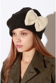 bow beret